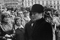 Roger-Viollet | 240237 | Her highness the Princess of Monaco at Josephine Baker's funeral. Paris, Madeleine church, 1975. | © Jacques Cuinières / Roger-Viollet