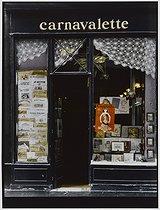 Roger-Viollet | 246007 |  Carnavalette , engraving seller, 2 bis rue des Francs-Bourgeois. Paris (IIIrd arrondissement), 1981. Photograph by Felipe Ferré (born in 1934). Paris, musée Carnavalet. | © Felipe Ferré / Musée Carnavalet / Roger-Viollet