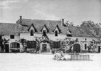 Roger-Viollet   247823   Les Milandes (Dordogne). Farm of Josephine Baker's castle (1906-1975), American variety artist.   © CAP / Roger-Viollet
