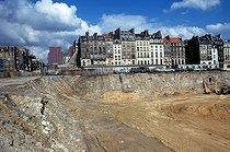 Roger-Viollet | 254617 | Construction site of Beaubourg. Paris (IVth arrondissement), 1972. Photograph by Léon Claude Vénézia. | © Léon Claude Vénézia / Roger-Viollet