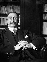 Roger-Viollet | 258186 | Léon Blum (1872-1950), French politician. | © Pierre Choumoff / Roger-Viollet