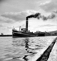 Roger-Viollet | 259865 | Tugboat. France, 1945. Photograph by Roger Berson. | © Roger Berson / Roger-Viollet