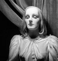 Roger-Viollet | 262646 | Wax figure at the Grévin museum. Paris (IXth arrondissement), circa 1935. | © Gaston Paris / Roger-Viollet