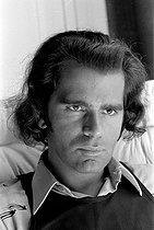 Roger-Viollet   264670   Karl Lagerfeld (1933-2019), German fashion designer, 1970. Photograph by Georges Kelaïditès (1932-2015).   © Georges Kelaïditès / Roger-Viollet