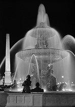 Roger-Viollet   278380   Place de la Concorde. Sea fountain and obelisk, at night. Paris (VIIIth arrondissement). Photograph by René Giton (known as René-Jacques, 1908-2003). Bibliothèque historique de la Ville de Paris.   © René-Jacques / BHVP / Roger-Viollet