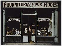 Roger-Viollet | 280730 |  Elber  hat shop, 83 rue de Turbigo. Paris (IIIrd arrondissement), 1981. Photograph by Felipe Ferré (born in 1934). Paris, musée Carnavalet. | © Felipe Ferré / Musée Carnavalet / Roger-Viollet