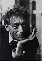 Roger-Viollet | 288794 | Alberto Giacometti (1901-1966), Swiss painter and sculptor. 1965. Photograph by Jean Marquis (1926-2019). Bibliothèque historique de la Ville de Paris. | © Jean Marquis / BHVP / Roger-Viollet