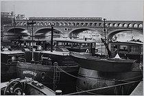Roger-Viollet   294638   Pont de Bercy Paris, 1980-1985. Photograph by Jean Marquis (1926-2019). Bibliothèque historique de la Ville de Paris.   © Jean Marquis / BHVP / Roger-Viollet
