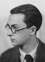 Roger-Viollet   306417   Paul Nizan (1905-1940), French writer. France, about 1935.   © Henri Martinie / Roger-Viollet
