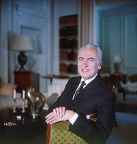 Roger-Viollet | 307432 | André Bettencourt (1919-2007), French politician, at his place. | © Kathleen Blumenfeld / Roger-Viollet