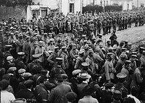 Roger-Viollet | 313181 | War - German prisoners of war | © Maurice-Louis Branger / Roger-Viollet