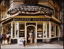 Roger-Viollet | 315658 | Baker's shop, 38 rue de de Bretagne. Paris (IIIrd arrondissement), 1981. Photograph by Felipe Ferré (born in 1934). Paris, musée Carnavalet. | © Felipe Ferré / Musée Carnavalet / Roger-Viollet