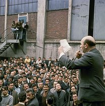 Roger-Viollet | 325148 | May-June 1968 events. Speech of Henri Krasucki (1924-2003), from the CGT (Confédération Générale du travail, General Confederation of Labour), during a rally at the Citroën car manufacture. Paris, May 1968. Photograph by Georges Azenstarck (born in 1934). | © Georges Azenstarck / Roger-Viollet