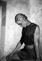 Roger-Viollet | 326403 | Apollo (Apollon musagète) | © Boris Lipnitzki / Roger-Viollet