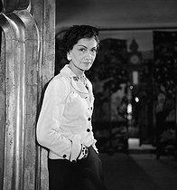 Roger-Viollet | 326707 | Coco Chanel (1883-1971), couturière française. Paris, 1937. | © Boris Lipnitzki / Roger-Viollet