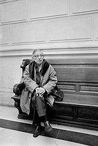 Roger-Viollet | 330871 | Jean-Paul Sartre (1905-1980), French writer and philosopher. Paris, Law courts, 1970-1971. | © Jacques Cuinières / Roger-Viollet