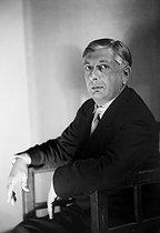 Roger-Viollet | 335173 | Giorgio De Chirico (1888-1978), Italian painter. | © Studio Lipnitzki / Roger-Viollet