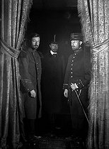 Roger-Viollet | 337974 | Photographic effect. Henri Roger dressed as an officer, a soldier and a civilian. Trilocation by Henri Roger. Photo-powder, 1895. | © Henri Roger / Roger-Viollet