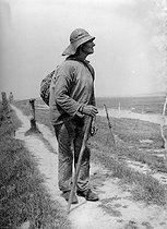 Roger-Viollet | 340690 | Fisherman. Etaples ( Pas-de-Calais). 1936. | © Jacques Boyer / Roger-Viollet