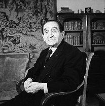 Roger-Viollet | 340997 | Pierre Mendès France (1907-1982), French politician, at his place. Paris, January 1979. | © Kathleen Blumenfeld / Roger-Viollet