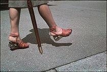 Roger-Viollet | 350033 | World War II. Bonded fibre shoes with wooden soles. Photograph by André Zucca (1897-1973). Bibliothèque historique de la Ville de Paris. | © André Zucca / BHVP / Roger-Viollet