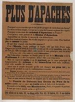 Roger-Viollet | 362025 | Affiche  Plus d'Apaches  (pour la disparition des  Apaches  de Paris). Imprimé en noir sur fond rouille. 1911. Bibliothèque historique de la Ville de Paris. | © BHVP / Roger-Viollet