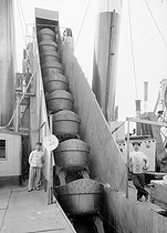 Roger-Viollet | 369528 | Suez Canal.  La Puissante  dredger. Egypt, circa 1910. | © Jacques Boyer / Roger-Viollet