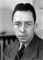 Roger-Viollet | 377489 | Albert Camus (1913-1960), French writer, 1947. | © Henri Martinie / Roger-Viollet