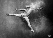 Roger-Viollet | 378607 | Alice Nikitina (1909-1978), danseuse russe. Paris, vers 1930. | © Boris Lipnitzki / Roger-Viollet