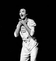 Roger-Viollet | 384888 | Marcel Marceau (1923-2007), French mime artist. Paris, Winter Circus, on February 6, 1962. | © Studio Lipnitzki / Roger-Viollet