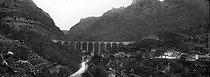 Roger-Viollet | 387111 | The Wolf Gorges (Alps-Martimes). The bridge and the Loup gorges. About 1900. | © Léon & Lévy / Roger-Viollet