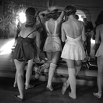 Roger-Viollet | 392811 | Paris Opera ballet school. Students of Albert Aveline's class. Paris, circa 1937-1938. | © Gaston Paris / Roger-Viollet