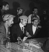 Roger-Viollet | 397242 | Militants of the Etoile Nord-Africaine (North African Star), Algerian nationalist organization, 1936. Photograph by Marcel Cerf (1911-2010). Bibliothèque historique de la Ville de Paris. | © Marcel Cerf / BHVP / Roger-Viollet