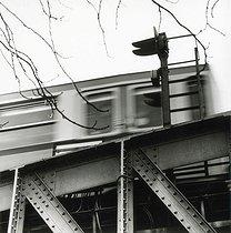 Roger-Viollet   397476   The elevated railway. Paris, 1980.   © Jean-Pierre Couderc / Roger-Viollet