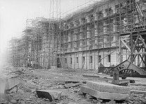 Roger-Viollet | 397651 | 1900 World Fair, Paris. Construction of the Grand Palais. | © Jacques Boyer / Roger-Viollet