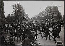 Roger-Viollet | 400398 | Funeral of Jean Jaurès (1859-1914), French politician. Paris, on August 4, 1914. | © Photo Rap / Roger-Viollet