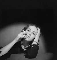 Roger-Viollet   400467   Danielle Darrieux (1917-2017), French actress. Paris, March 1935.   © Boris Lipnitzki / Roger-Viollet