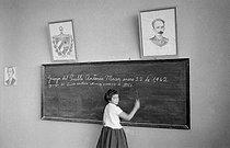 Roger-Viollet | 401706 | Primary school in Cuba, in 1962. | © Gilberto Ante / Roger-Viollet