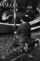 Roger-Viollet | 404989 | Bois de Boulogne. Paris (XVIth arrondissement), circa 1980. | © Jean-Pierre Couderc / Roger-Viollet