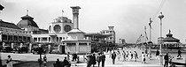 Roger-Viollet | 405829 | Malo-les-Bains (North).The esplanade and the casino (J. Potier, architect). Around 1900. | © Léon & Lévy / Roger-Viollet