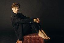 Roger-Viollet | 409072 | Patrick Dupond, French ballet dancer, 1989. | © Colette Masson / Roger-Viollet