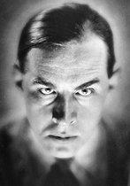 Roger-Viollet | 419374 | Erich Maria Remarque (1898-1970), German-born American writer, circa 1930. | © Henri Martinie / Roger-Viollet