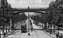 Roger-Viollet   421355   Avenue Daumesnil. Paris (XIIth arrondissement), circa 1900.   © Léon & Lévy / Roger-Viollet