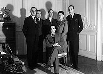 Roger-Viollet | 439805 | François Mitterrand (1916-1996), French Minister of War Veterans, surrounded by the members of his cabinet, 1948. | © Henri Martinie / Roger-Viollet