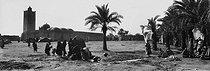 Roger-Viollet | 443785 | Sahara Desert. Around 1900. | © Léon & Lévy / Roger-Viollet