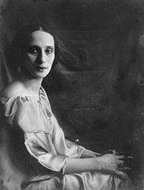 Roger-Viollet | 444063 | Anna Pavlova (1882-1931), Russian dancer. | © Pierre Choumoff / Roger-Viollet