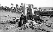 Roger-Viollet | 446031 | Well in the Mzab. Algeria, around 1910. | © CAP / Roger-Viollet