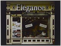Roger-Viollet | 446886 |  Elegance  clothing store, 53 rue Sainte-Anne. Paris (IIIrd arrondissement), 1982. Photograph by Felipe Ferré. Paris, musée Carnavalet. | © Felipe Ferré / Musée Carnavalet / Roger-Viollet