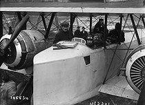 Roger-Viollet | 449112 | Nacelle of the Caudron aeroplane | © Maurice-Louis Branger / Roger-Viollet