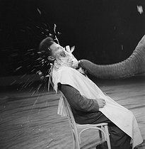 Roger-Viollet | 451274 | Circus : number with an elephant. France, circa 1935. | © Gaston Paris / Roger-Viollet